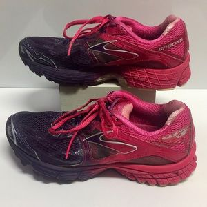 Brooks Ravenna in HotPink and Purple (6.5)